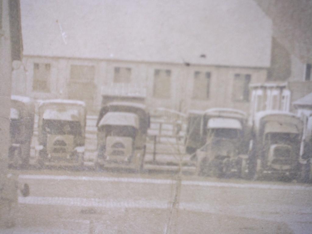 À identifier le lieu de ce casernement camions  20451710