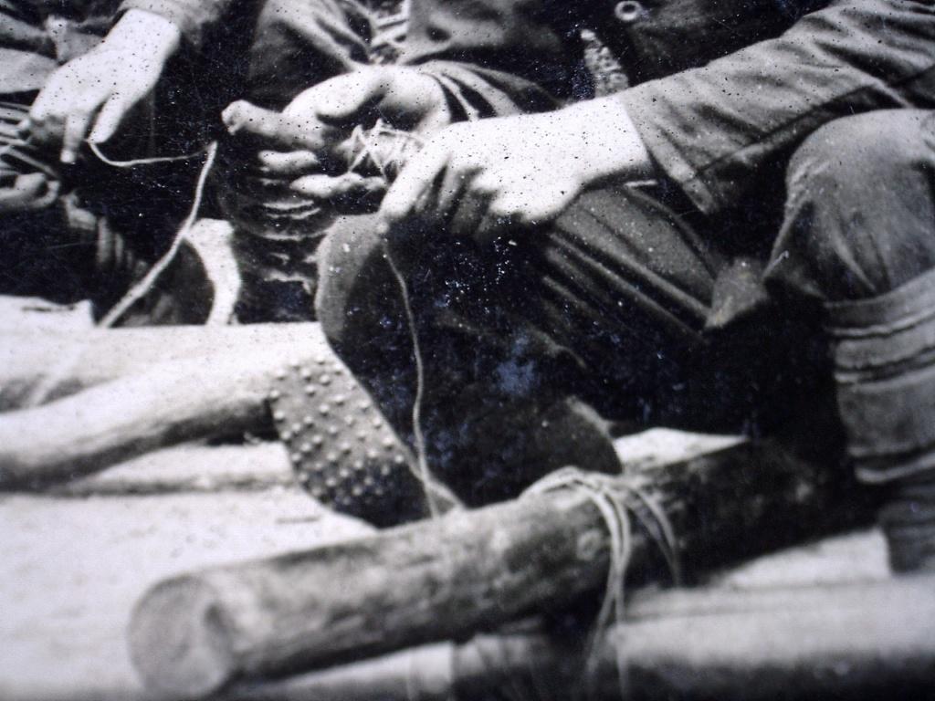 À identifier Construction radeau ? régiment numéro 2 20471012