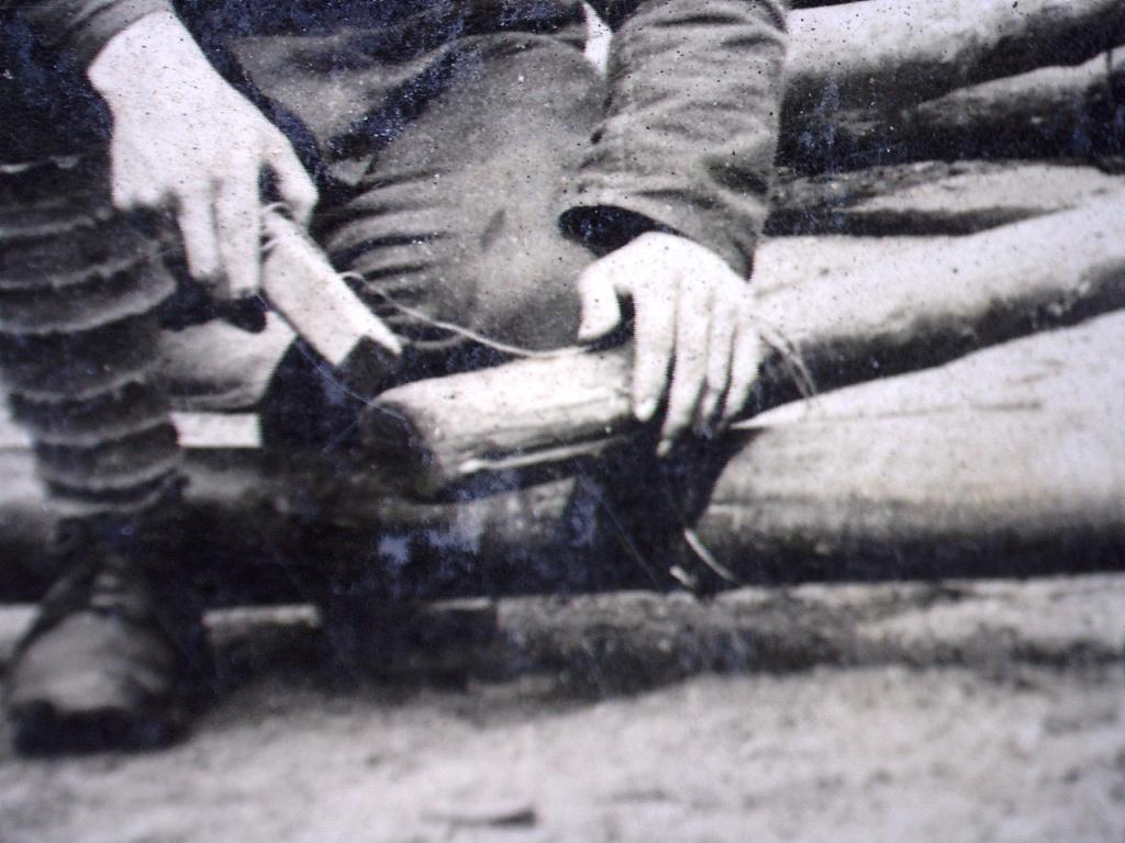 À identifier Construction radeau ? régiment numéro 2 20471013