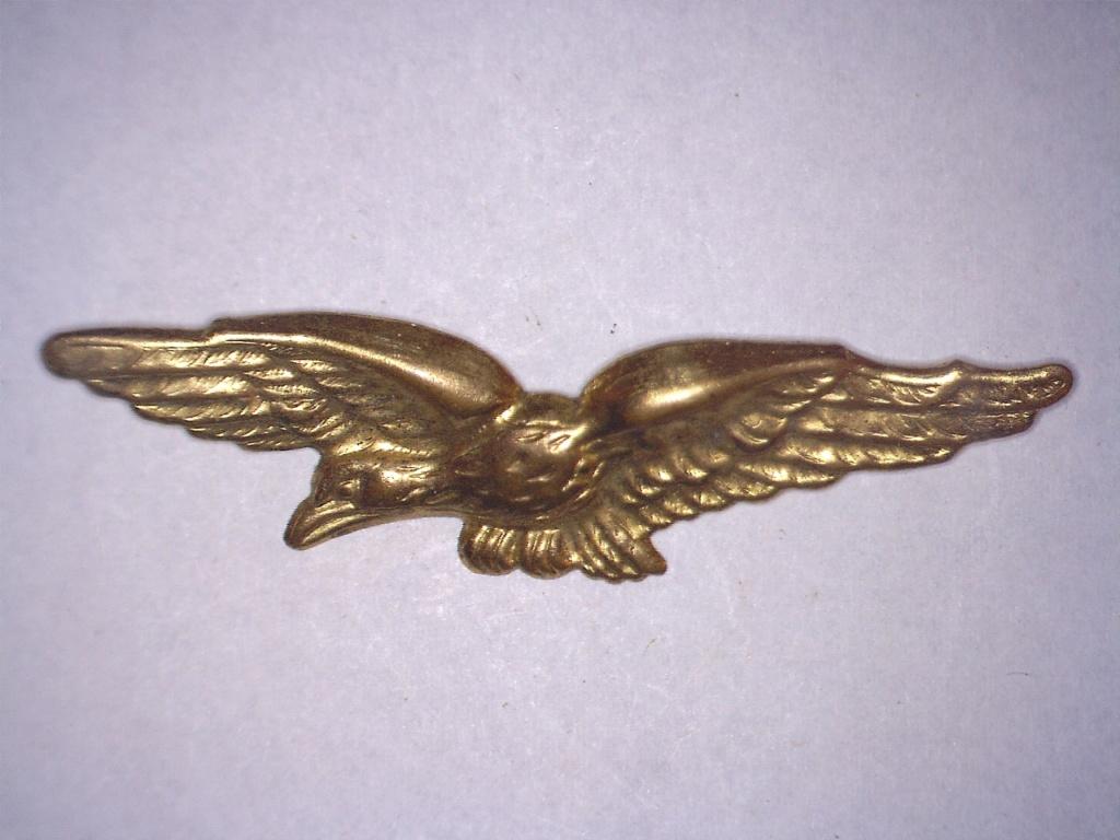 À identifier insigne police de l'armée de l'air ? Aigle ? 20828111
