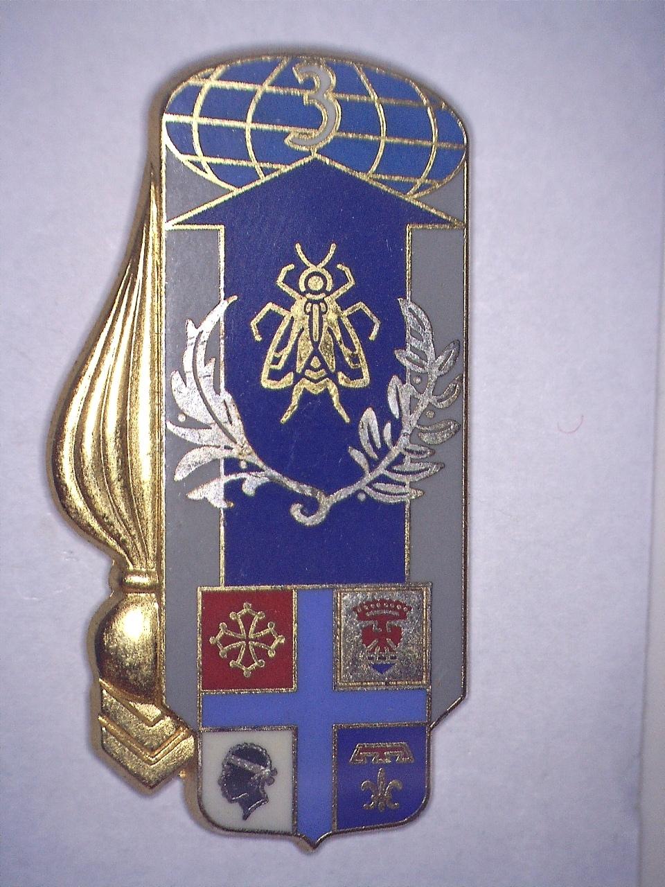 A IDENTIFIER insigne avec la tête de la Corse. 20831116