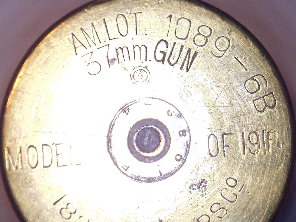 A IDENTIFIER 2 douilles d'obus transformés en verre ou gobelet 20952118