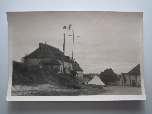 village tentes militaires, drapeau français, MARINE ? chantier de jeunesse ? Img_1021
