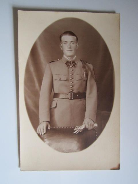 A identifier soldat numéro 28 avec fourragère Img_1232