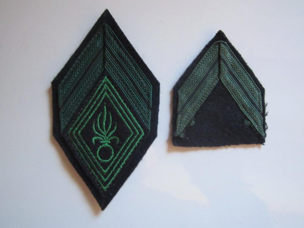À identifier deux galons verts Img_1238