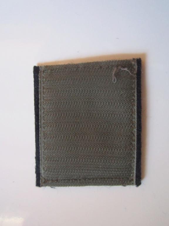 À identifier tissu Militaire Img_1253
