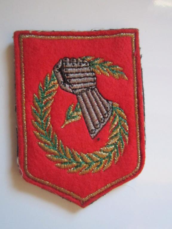 À identifier tissu Militaire  Img_1278