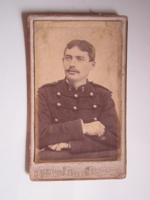 A identifier soldat numéro 2 sur col Img_1624