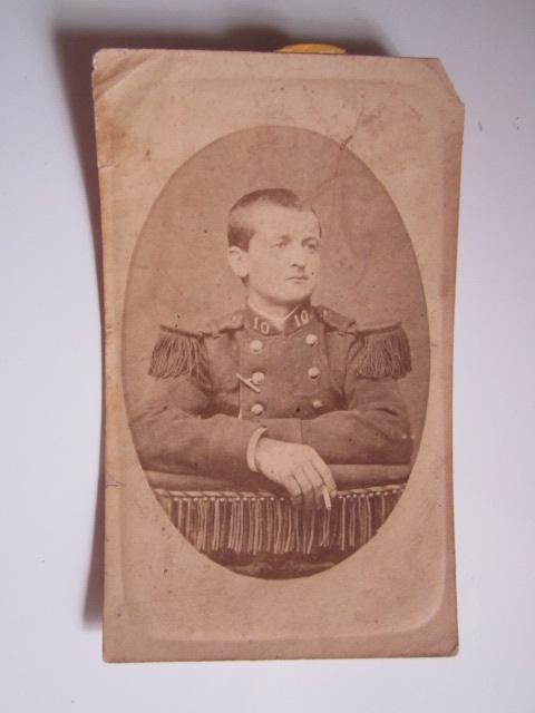 À identifier soldat numéro 10 sur col. Img_1625