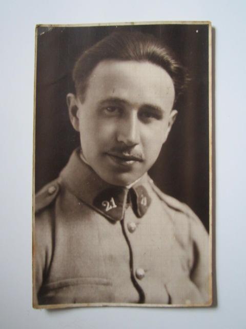 A identifier portrait soldat numéro 21 au col Img_1633