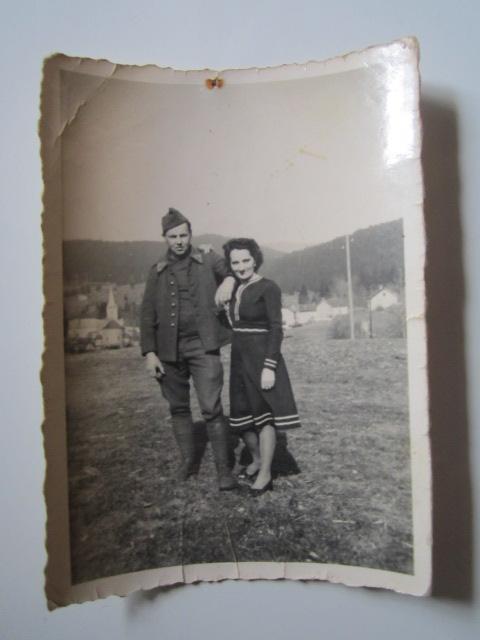 A identifier militaire avec sa copine. Img_1637