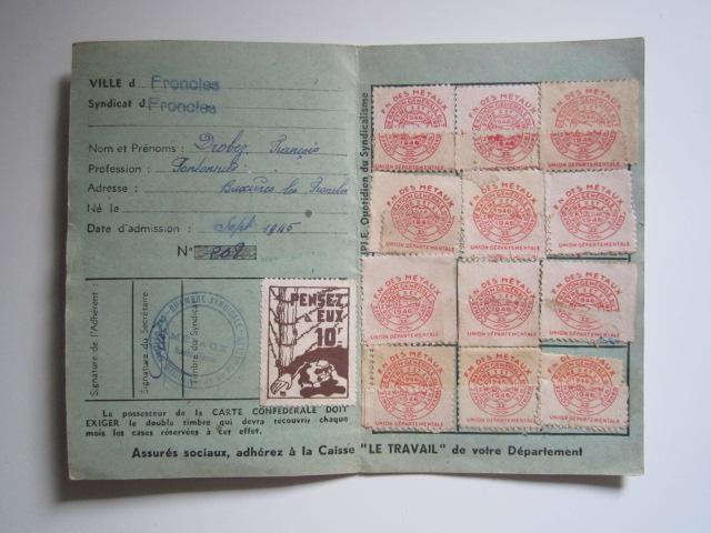 À identifier timbre 1945 10 Francs PENSEZ à EUX Img_3211