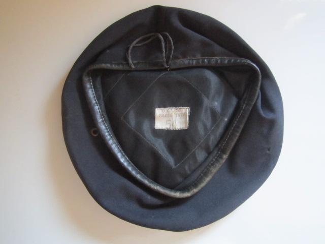 A IDENTIFIER béret 1977 sans insigne Img_6329
