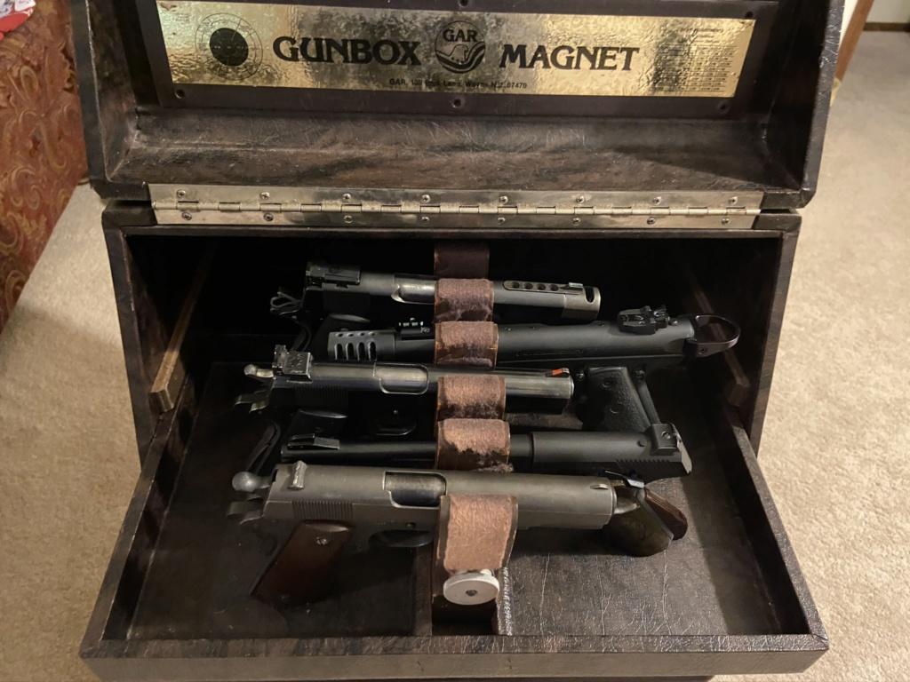 FS: Bullseye Gun Case Img_0510