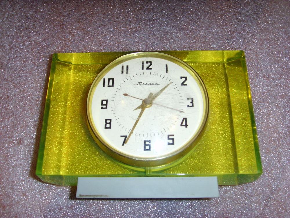 """Horloge de table """"Tank"""" de Molnija Molta111"""