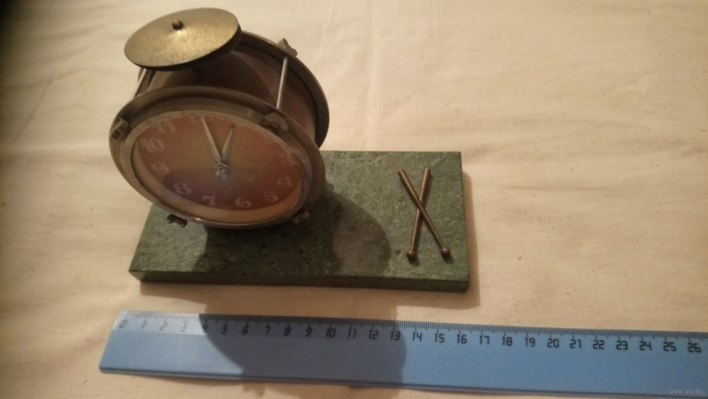 """Horloge de table """"Tank"""" de Molnija Molta410"""