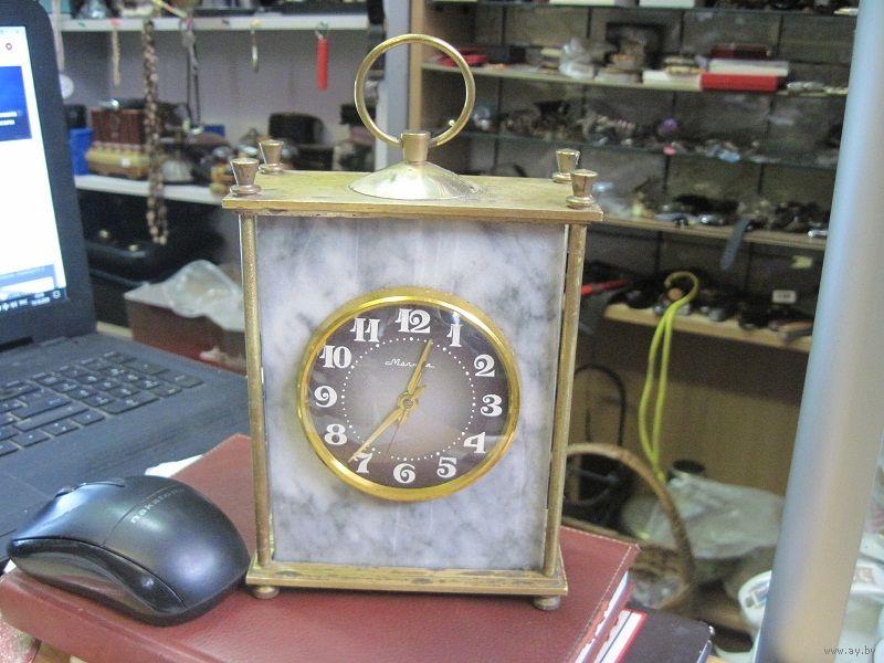"""Horloge de table """"Tank"""" de Molnija Molta510"""