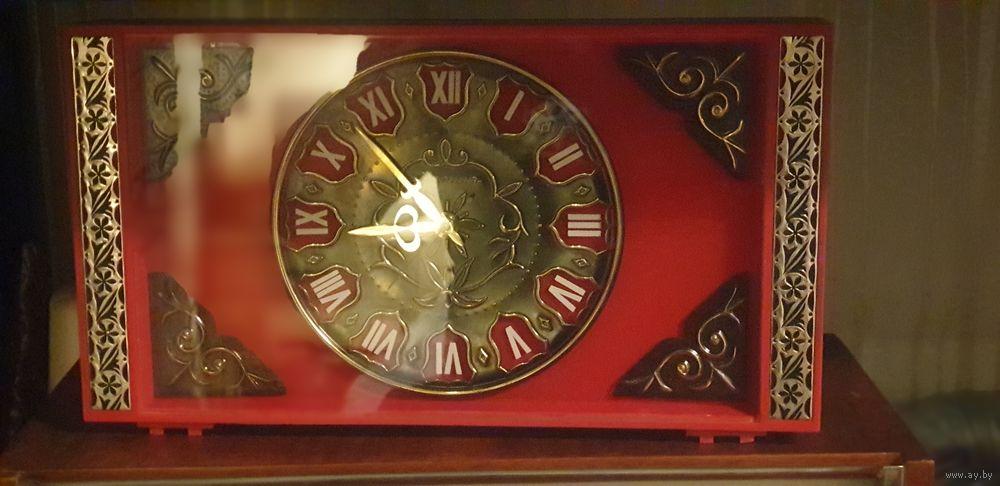 """Horloge de table """"Tank"""" de Molnija Molta710"""