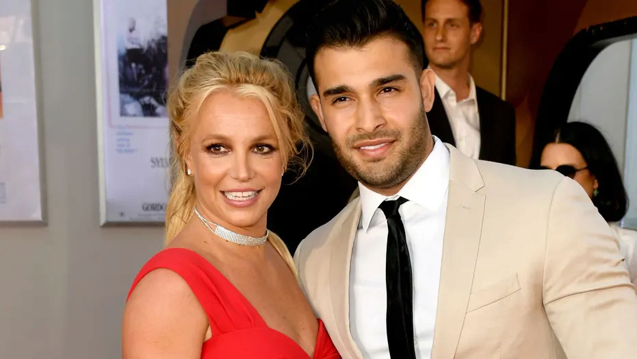 Britney Spears and new BF 03a75410