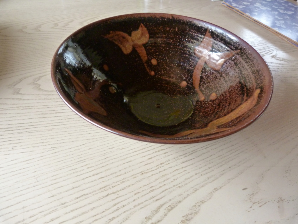 Large tenmoku studio bowl with cat or mouse or spiral or J mark P1120710