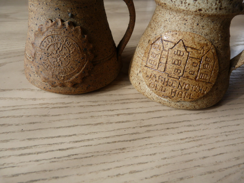 Coffee mugs with 2 different marks, same pottery! Any suggestions ? P1120817