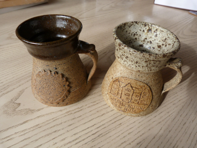 Coffee mugs with 2 different marks, same pottery! Any suggestions ? P1120818