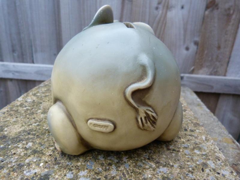 Wacky pottery elephant money box. Who made this please? P1130118