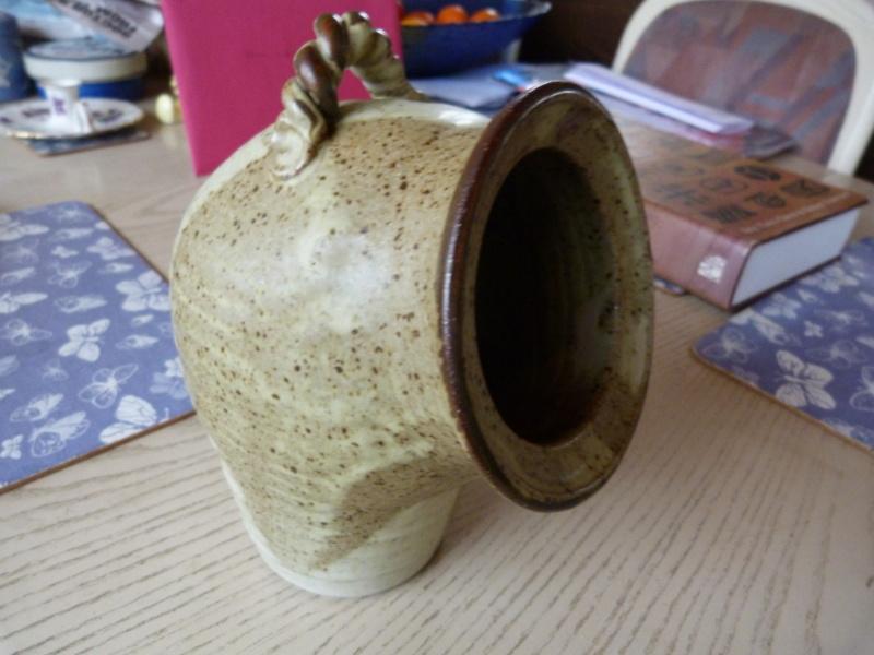 Studio pottery Salt, unknown mark, any ideas?? P1130420