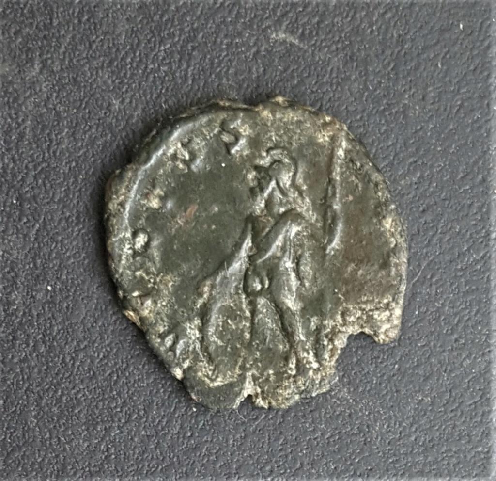 Antoniniano de Tétrico I. VIRT AVGG. Valor o Marte a izq. Trier 20210411