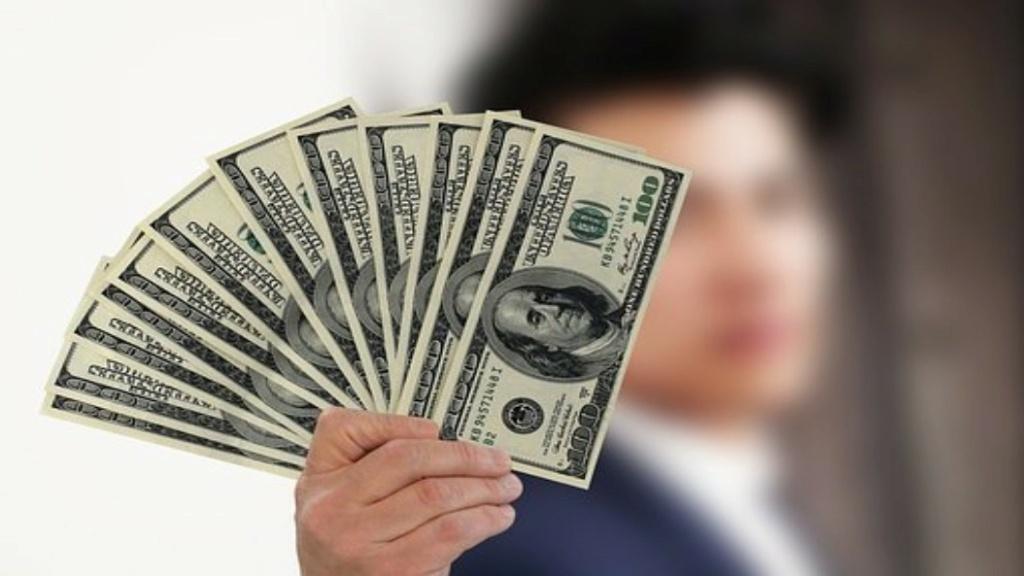 اليوم الأحد: ارتفاع أسعار صرف الدولار مقابل الدينار العراقي  Achete10