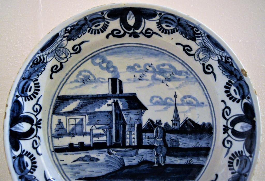Delft or not ? Besoin d'identifier quelques pièces s.v.p. Dsc06429