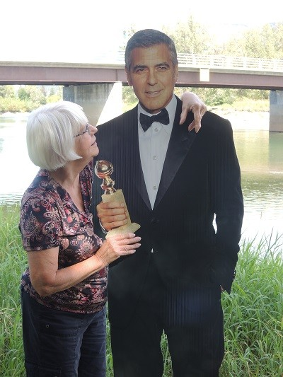 George Clooney Wanted in Canada: Cardboard or Alive Cloone34