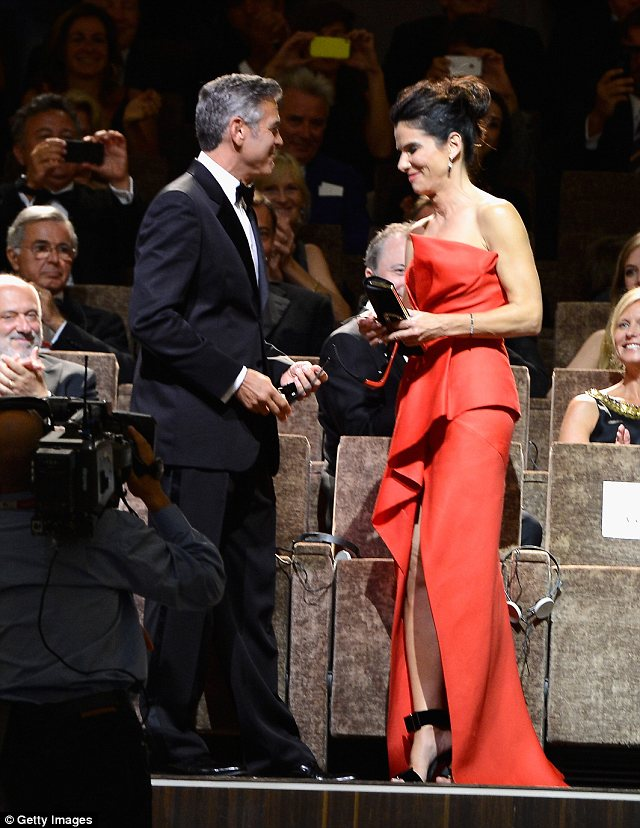 George Clooney and Sandra Bullock at the evening premiere of Gravity at Venice Film Festival - Page 2 Vff_cl39