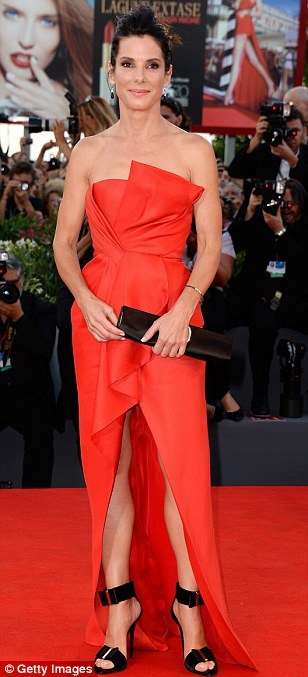 George Clooney and Sandra Bullock at the evening premiere of Gravity at Venice Film Festival - Page 2 Vff_sa12