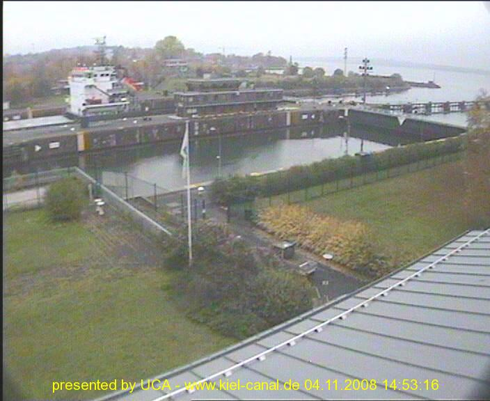 Photos en live des ports dans le monde (webcam) Canal_10