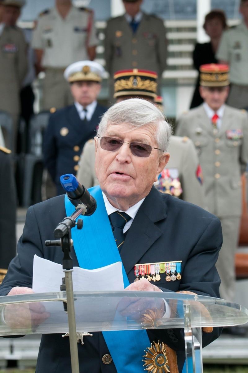 Général René de Biré a rejoint St MICHEL  message du 08/11/2014 De_bir10