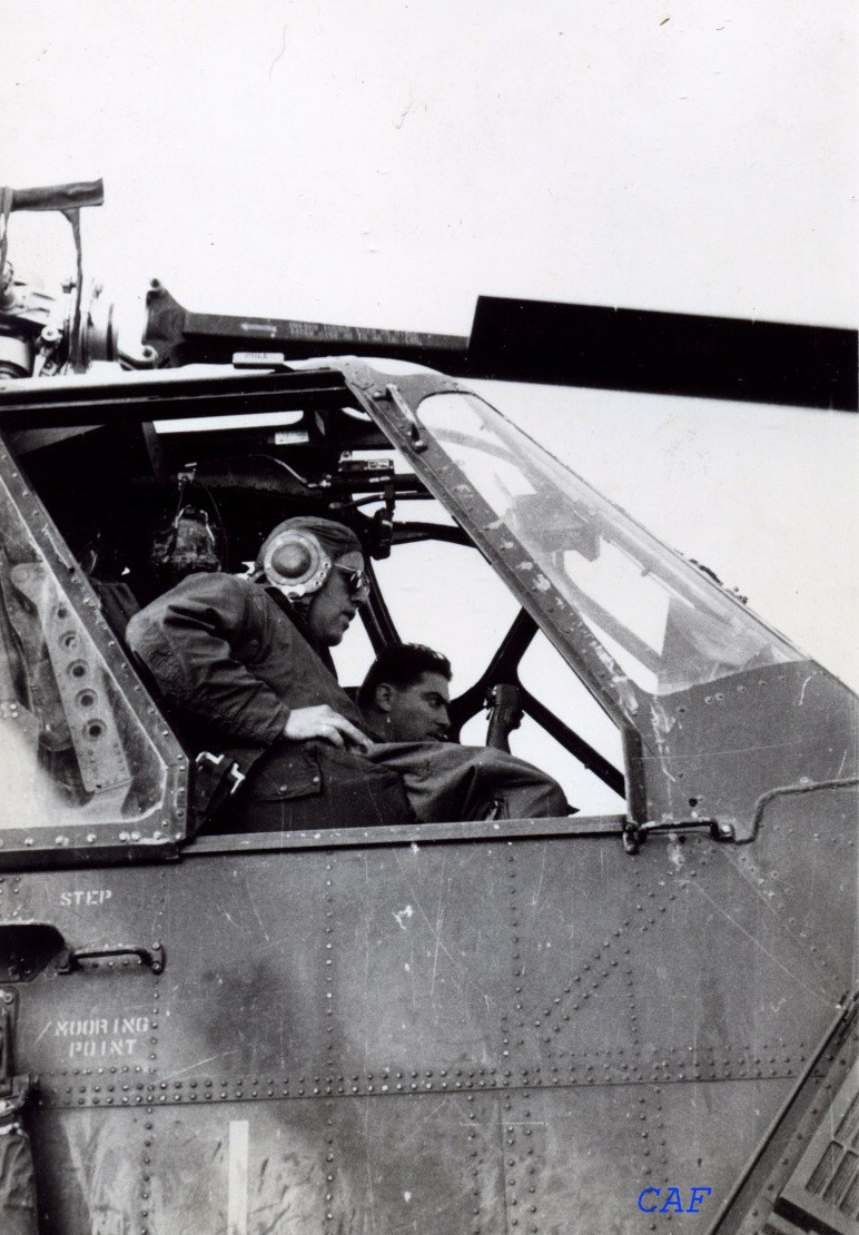 BRUNET Félix aviateur - a sa place avec les paras pour avoir facilités la vie des Paras en AFN - initiateur du H34 Mammouth. Felix_11