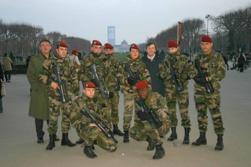 les réservistes du 1er RCP participent à Vigipirate à PARIS pour la fin d'année Img_1613