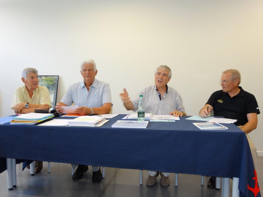 [Associations anciens marins] C.H.A.N.-Nîmes (Conservatoire Historique de l'Aéronavale-Nîmes) Dsc00213