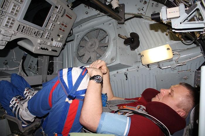 Les cosmonautes de Soyouz TMA-06M testent l'atterrissage sur Mars ! 28794710