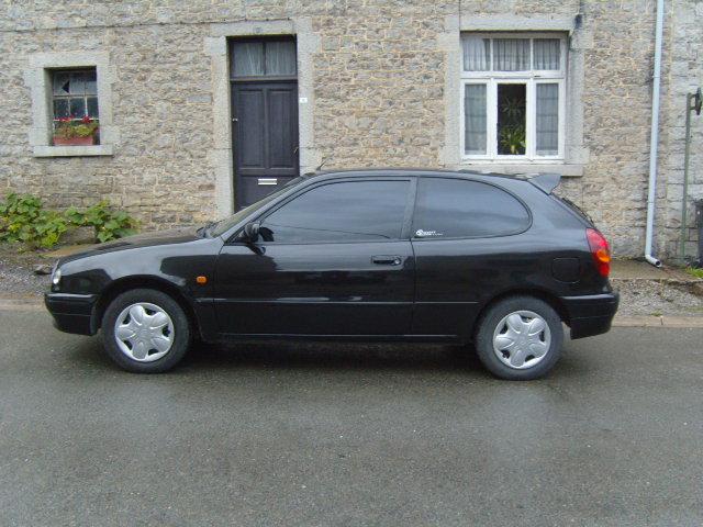 la premiere voiture de madame  S1031522