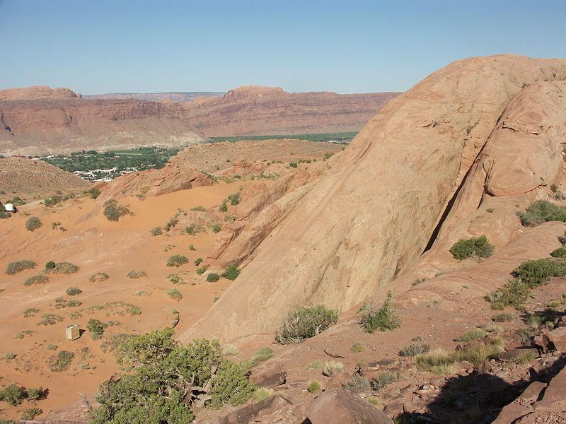 Colline Lion's back, Moab, Utah, USA 800px-10