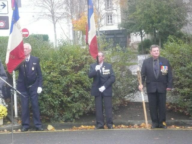 Arrivée de la flamme du souvenir à Quimper et transmission à Fouesnant 10_pen10