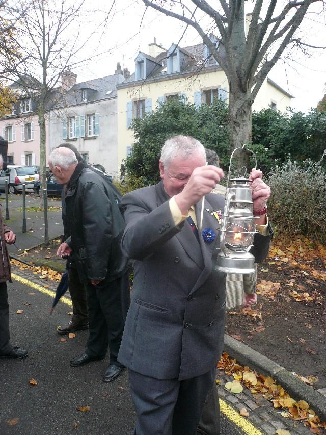 Arrivée de la flamme du souvenir à Quimper et transmission à Fouesnant 13_ell10