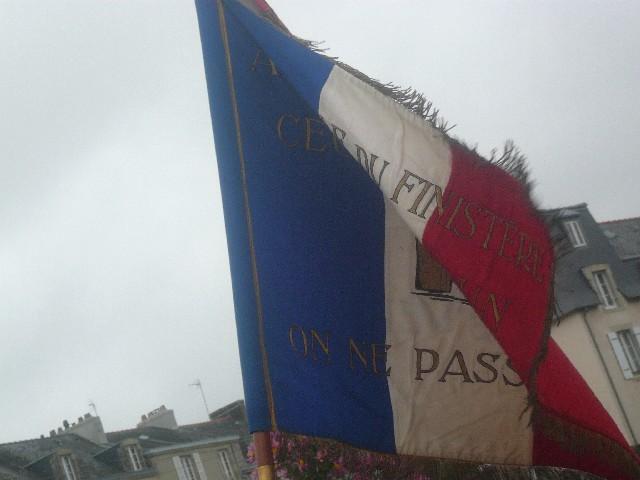Arrivée de la flamme du souvenir à Quimper et transmission à Fouesnant 16_le_11