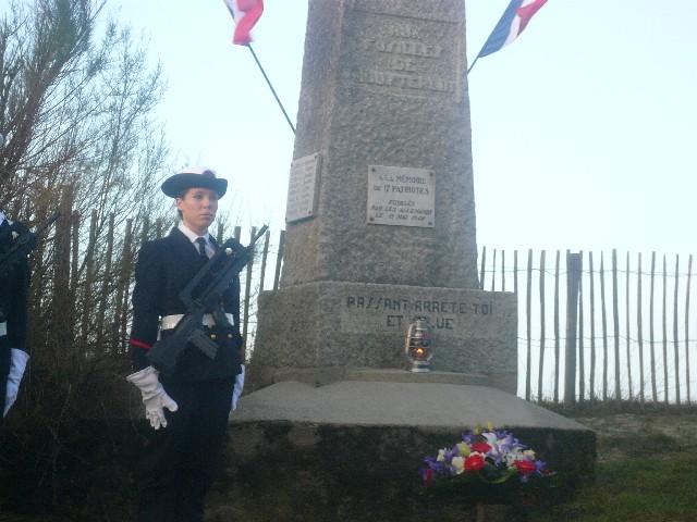 Arrivée de la flamme du souvenir à Quimper et transmission à Fouesnant 2710_l10