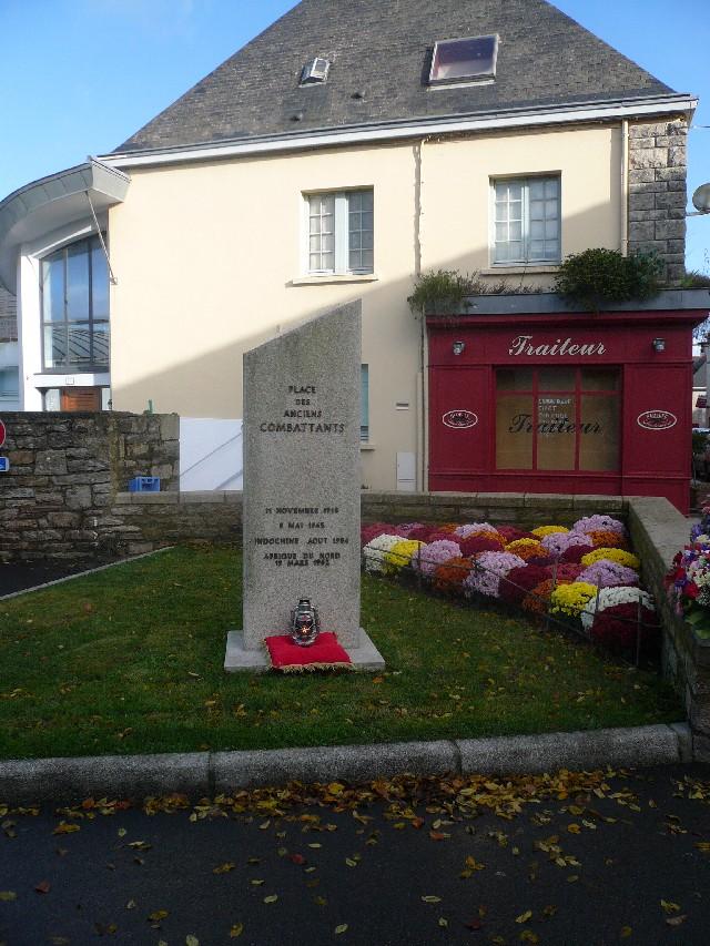 Arrivée de la flamme du souvenir à Quimper et transmission à Fouesnant 2912_l10