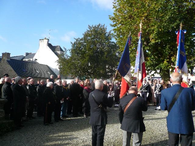 Arrivée de la flamme du souvenir à Quimper et transmission à Fouesnant 3114du10