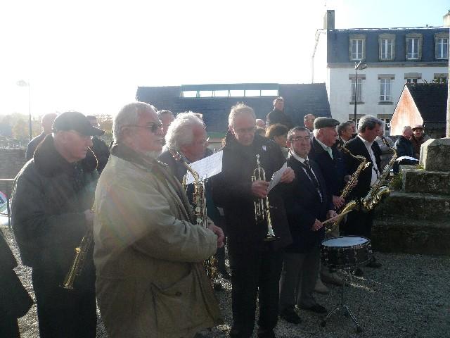 Arrivée de la flamme du souvenir à Quimper et transmission à Fouesnant 3316_l10