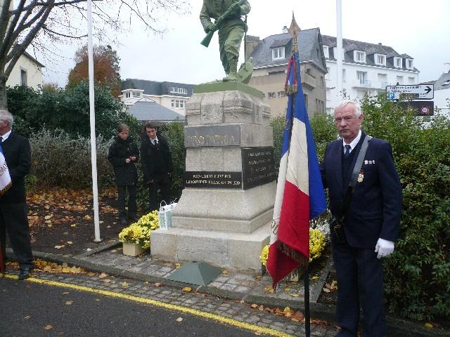 Arrivée de la flamme du souvenir à Quimper et transmission à Fouesnant 3_le_m10